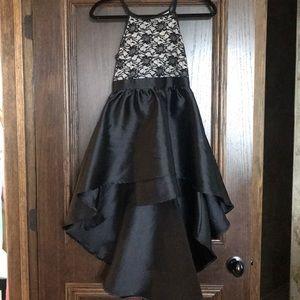 Girls formal dress size 8.